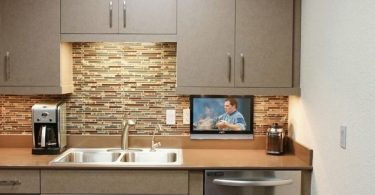 best small tv for kitchen
